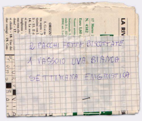 Lista #52 - Lista #52 - Penna a sfera su frammento di foglio a quadretti e pagina di giornale